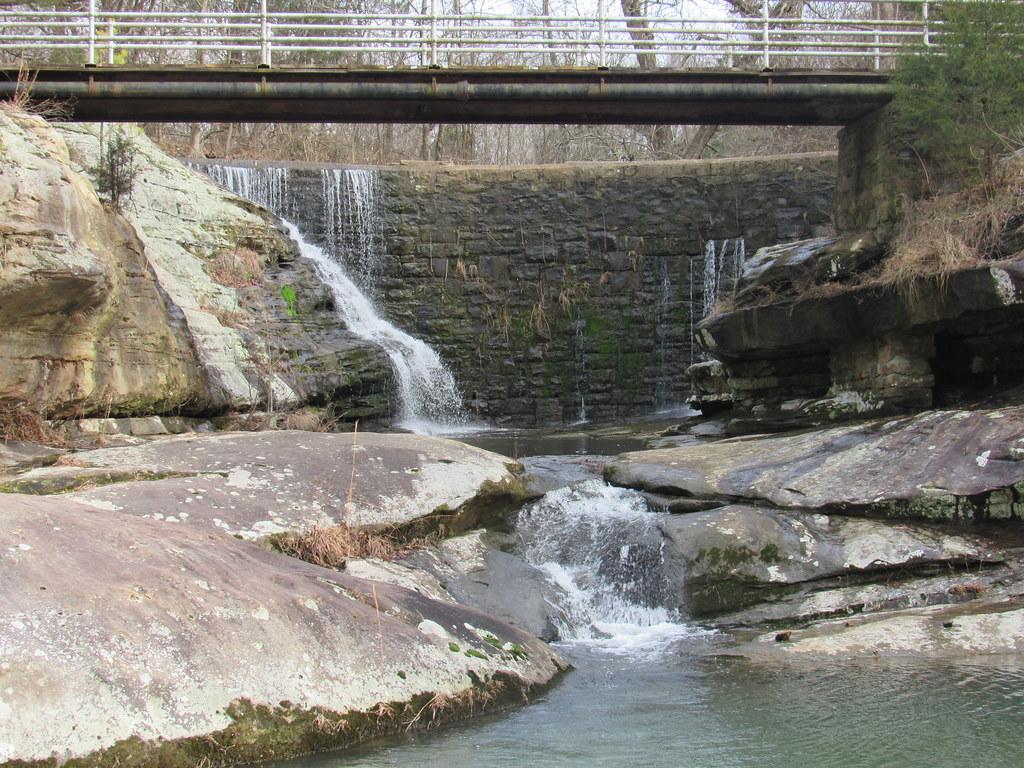 Dixon Springs Waterfall