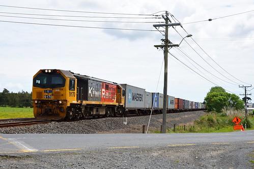 Kiwi Rail DL 9170 in Drury