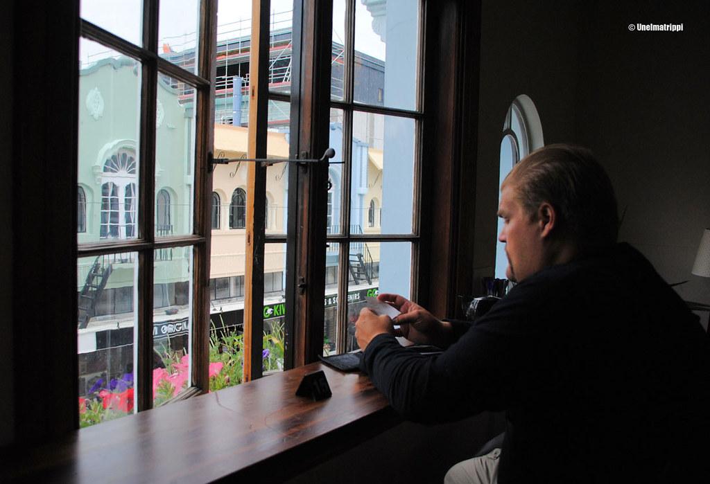 Hemmo kahvilassa söpöllä New Regent Streetillä, Christchurch, Uusi-Seelanti