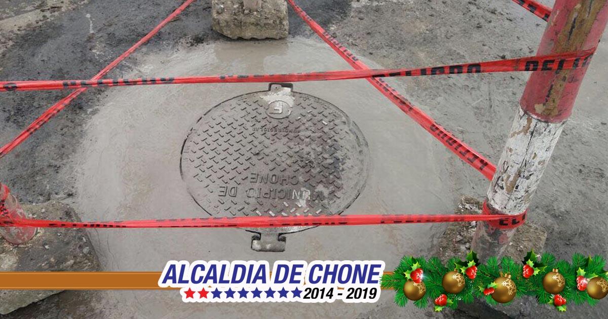 Reposición de tapa y limpieza de pozo de aguas servidas