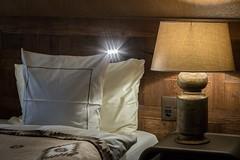 Schlaffzimmer Bett im Valsana Hotel & Appartements Arosa