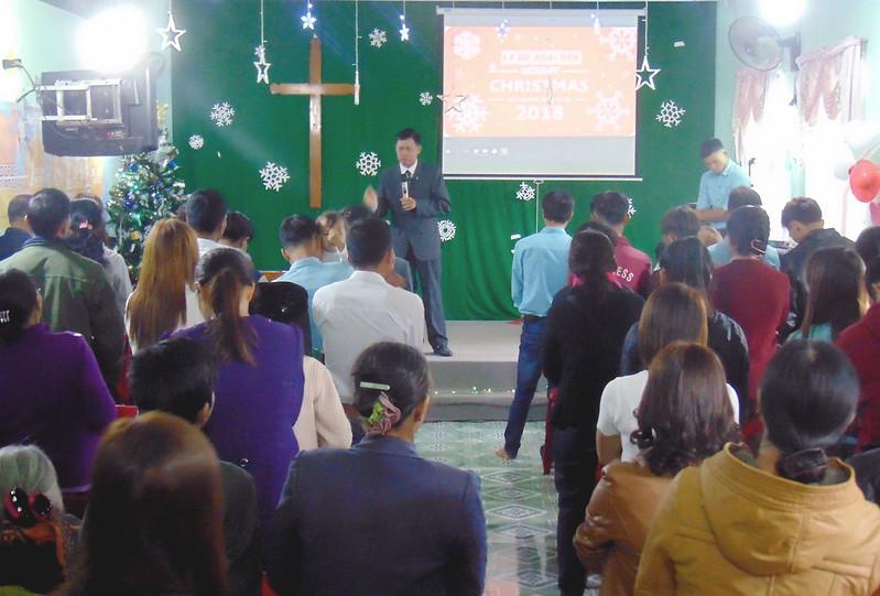 Hội Thánh Lâm Đồng - GIáng sinh có khoảng 70 người tham dự (2)