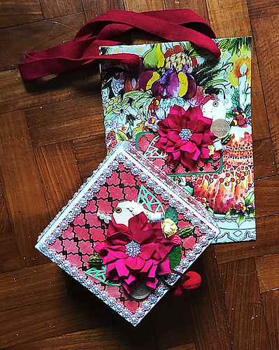 Decorated-box-and-gift-bag