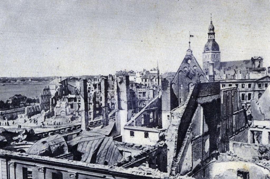 Vue sur la Vieille Ville de Riga après la seconde guerre mondiale.