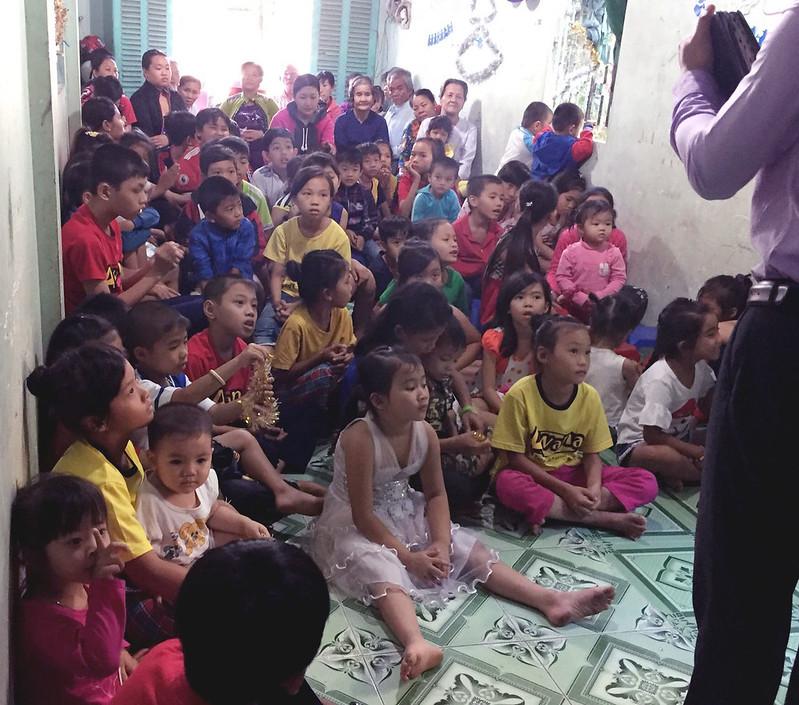 Hội Thánh Đồng Tháp tổ chức giáng sinh 2 buổi có khoảng 110 người tham dự có 12 người tin Chúa (2)