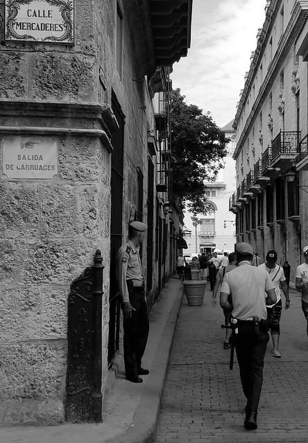 Vigilando la Calle de la Amargura BN Habana 2017