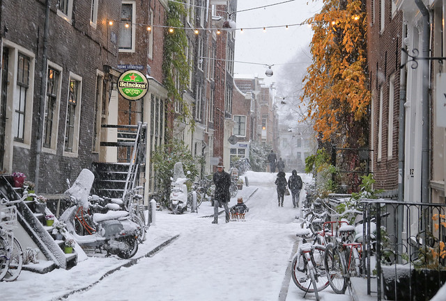 Soaking up the wintry atmosphere in the charming Jordaan of Amsterdam