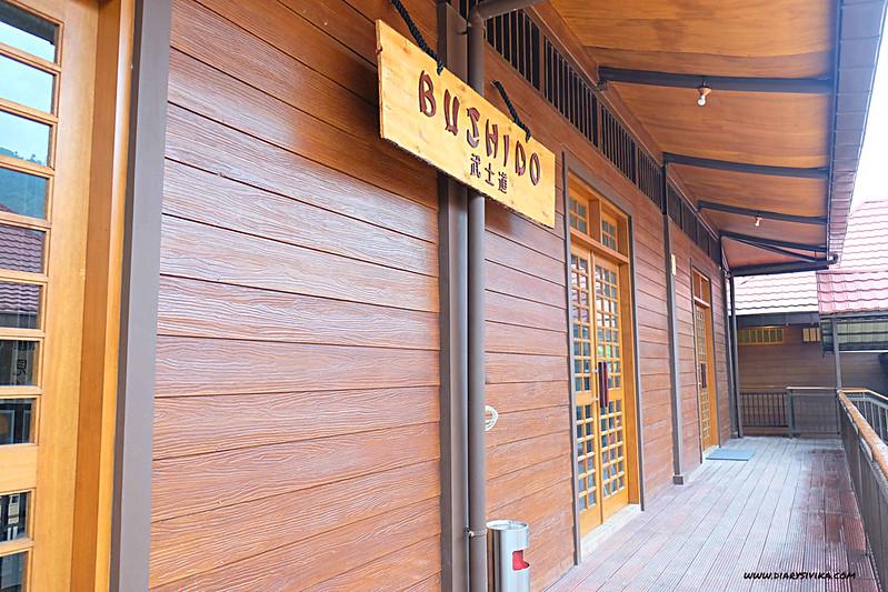 the onsen resort batu 8