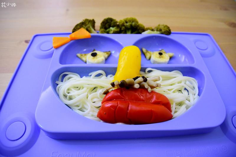 easymat餐盤防拔嬰兒餐具吸盤嬰兒餐具推薦嬰兒副食品餐具推薦EasyMat防滑矽膠餐盤 (12)