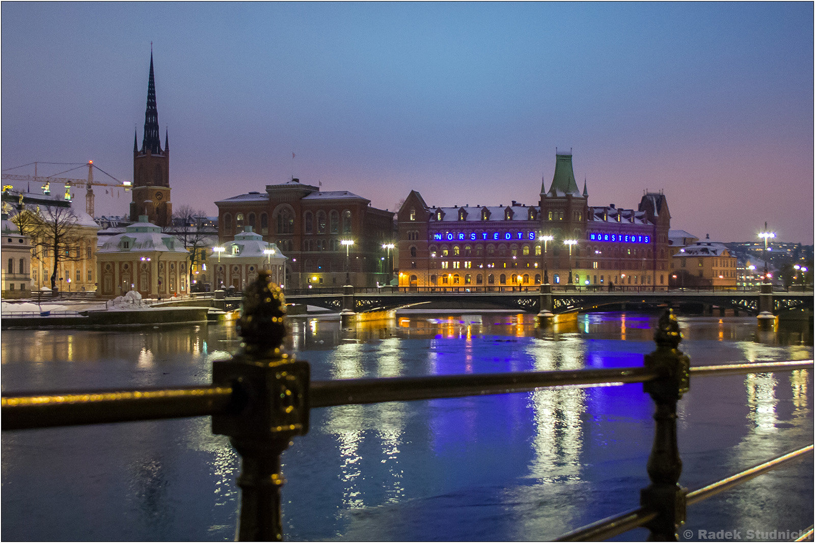 Sztokholm na fotografiach nocą