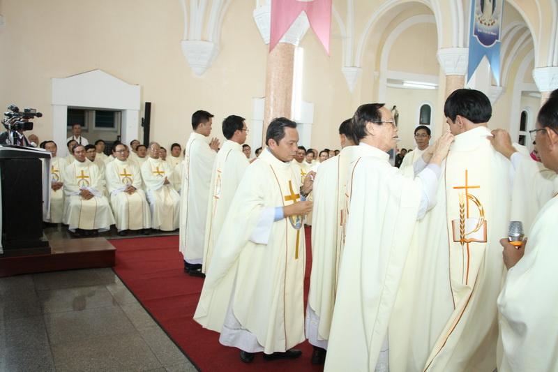 Thánh Lễ Truyền Chức Linh Mục Giáo Phận Qui Nhơn - Ảnh minh hoạ 92