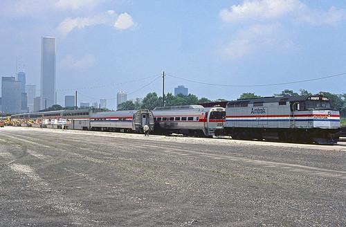Amtrak F40PHR 372