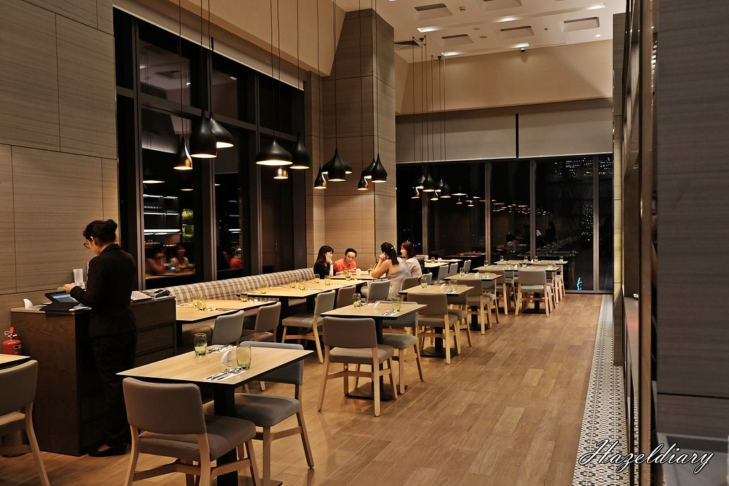 Sky22 Courtyard by Marriott-Interior 1