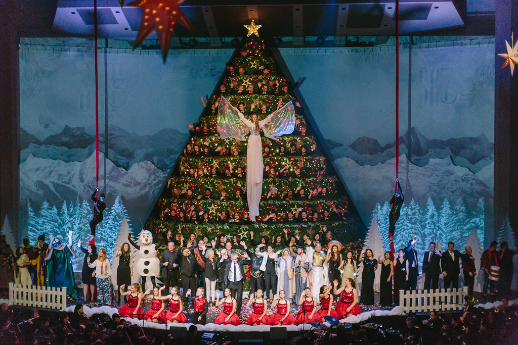 2017 Singing Christmas Tree (50th Anniversary)