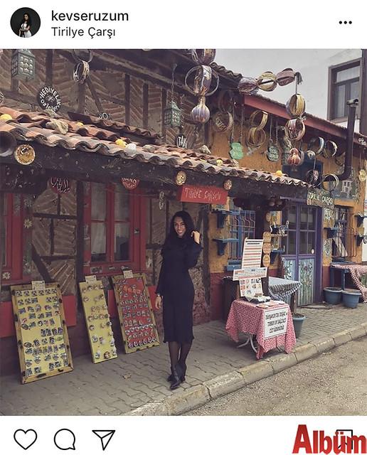 Kevser Üzüm, Tirilye Çarşısı'ndan paylaştığı bu fotoğrafla takipçilerinin beğenisini topladı.