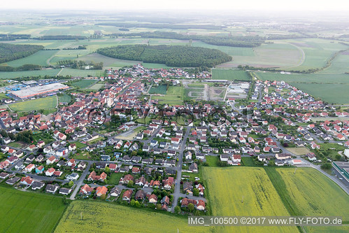 Grettstadt (0.82 km North-East) - IMG_100500