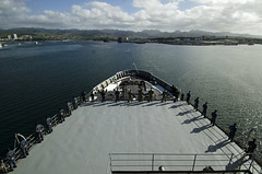 Sailors man the rails as USS Frank Cable (AS 40) arrives at Joint Base Pearl Harbor-Hickam, Jan. 2. (U.S. Navy/MCSN Randall W. Ramaswamy)