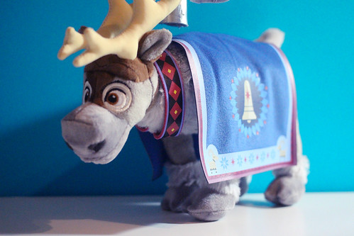 Olaf's Frozen Adventure Singing Doll Set
