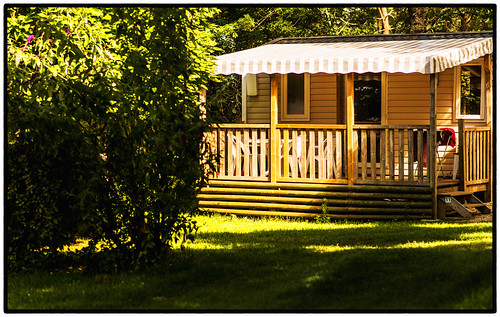 terrasses-du-perigord-location-chalet-mobilhome-nature-vue-haie