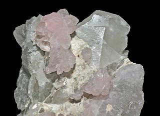 quartz var. rose quartz, quartz