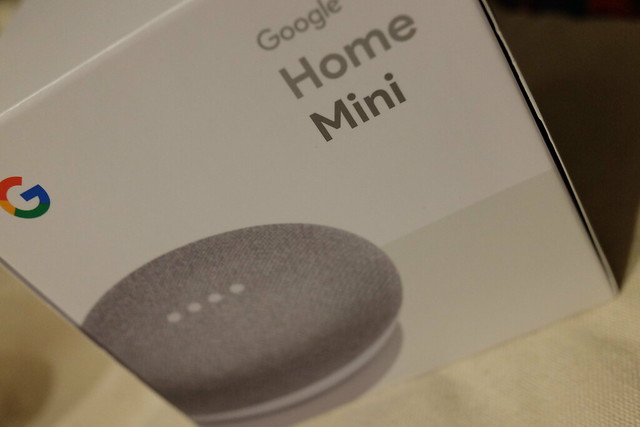 Google Home Mini 01