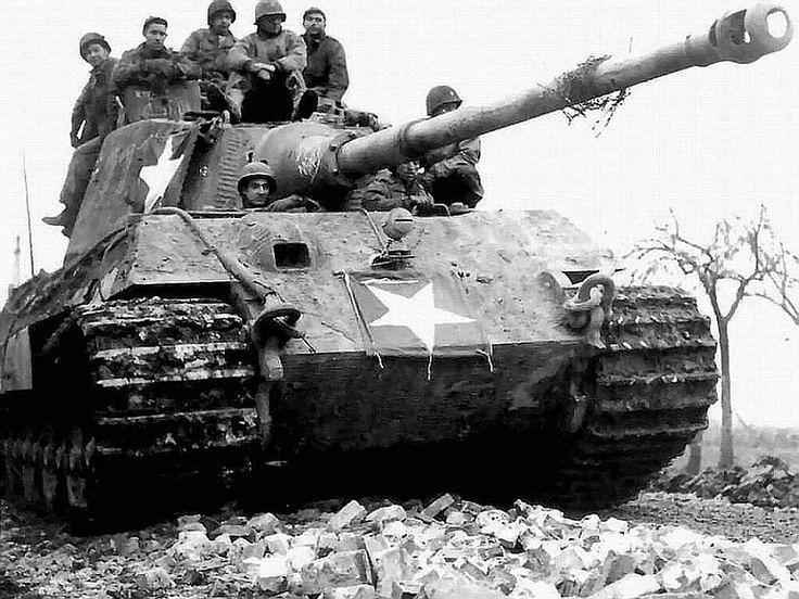 Αιχμάλωτο γερμανικό άρμα μάχης Panther με αμερικανικά διακριτικά