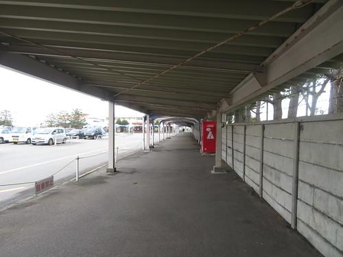金沢競馬場の屋根付き通路