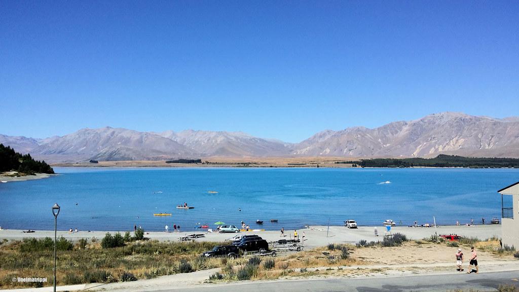 Leirintäalueelta aukesi maisema järvelle ja vuorille