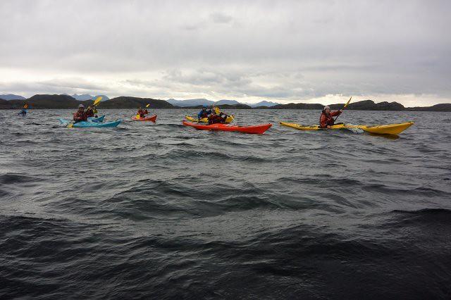 Paleando en nuestros kayaks