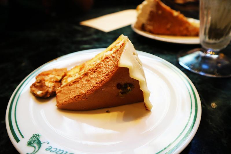 volmer cake