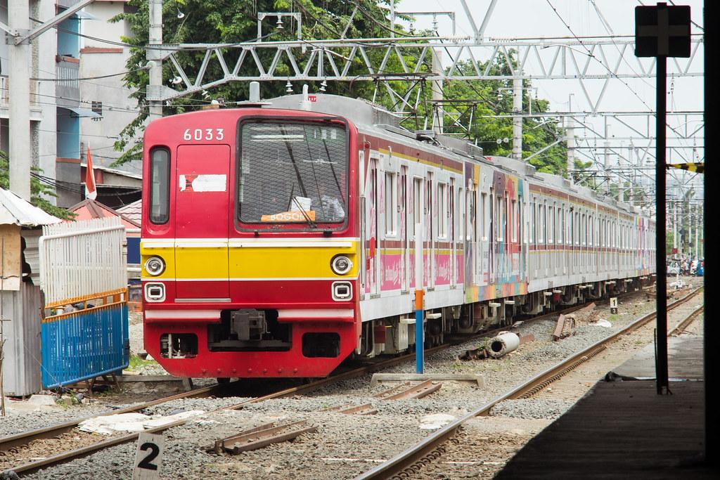Tokyo Metro 6000 ( 6033) ;Yellow Line;Stasiun Duri