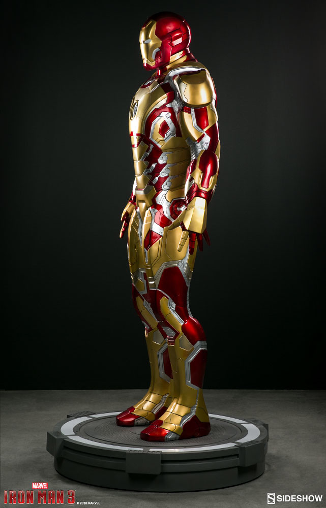 超帥氣的馬克42 也以1:1 比例魄力登場啦~~Sideshow Collectibles《鋼鐵人3》鋼鐵人馬克42 Iron Man Mark 42 Life-Size Figure