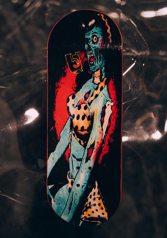 Five Luck Fingerboards - Zombie Girl