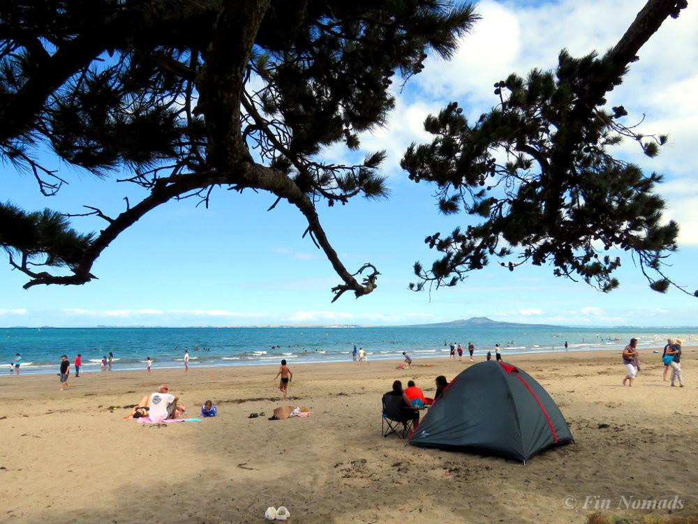 Auckland beach christmas