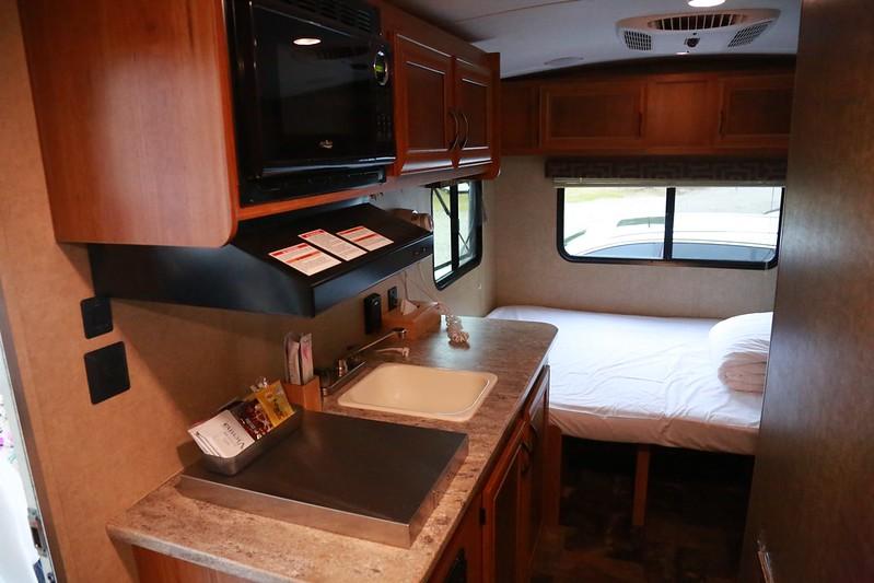 露營車的小廚房