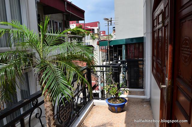 halfwhiteboy - la beaute de hanoi hotel vietnam 13