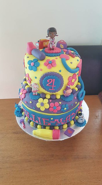 Cake from Cakes by caz kerfoot