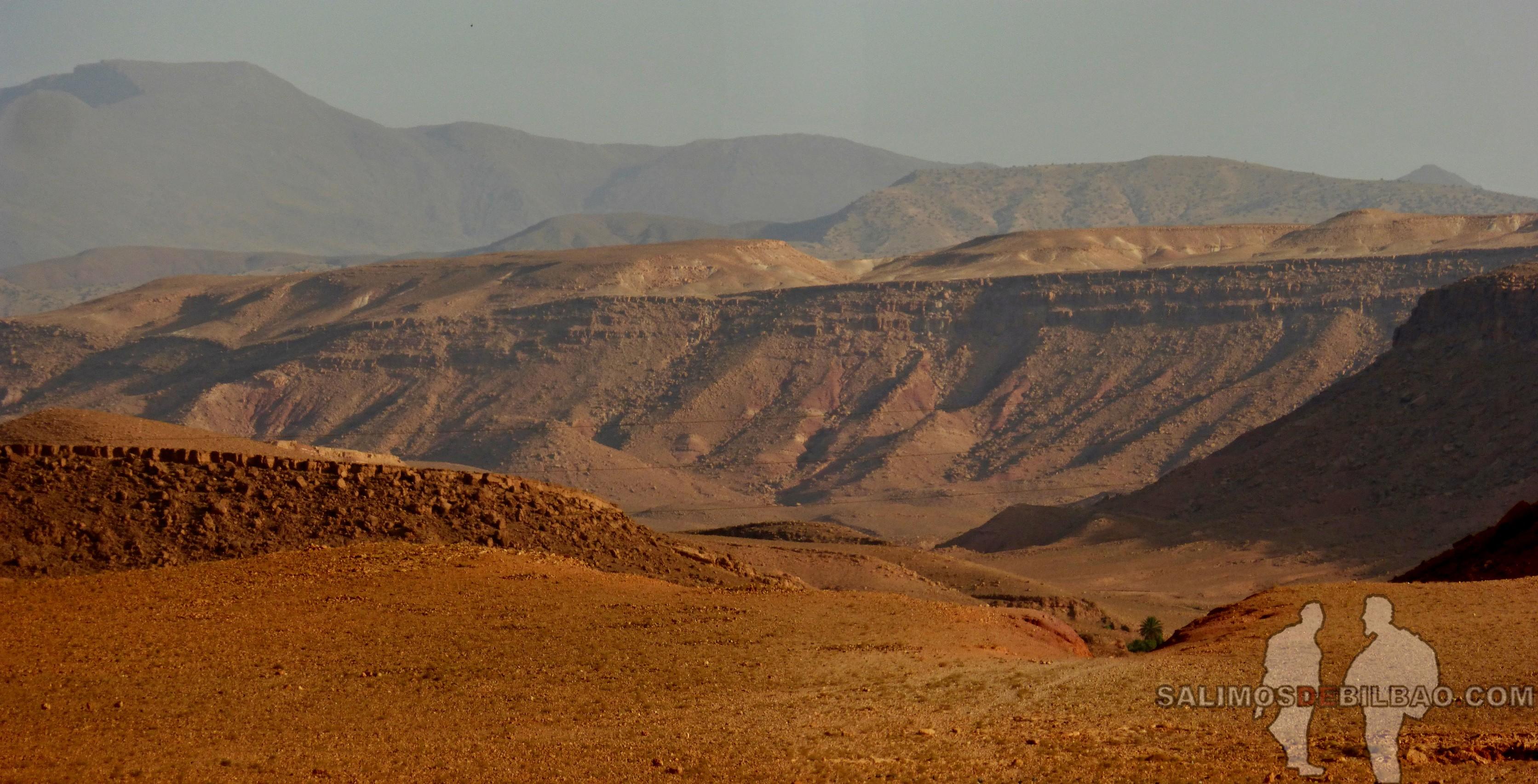 621. Pano, Rodeando el Kasbah Ait Ben Haddou