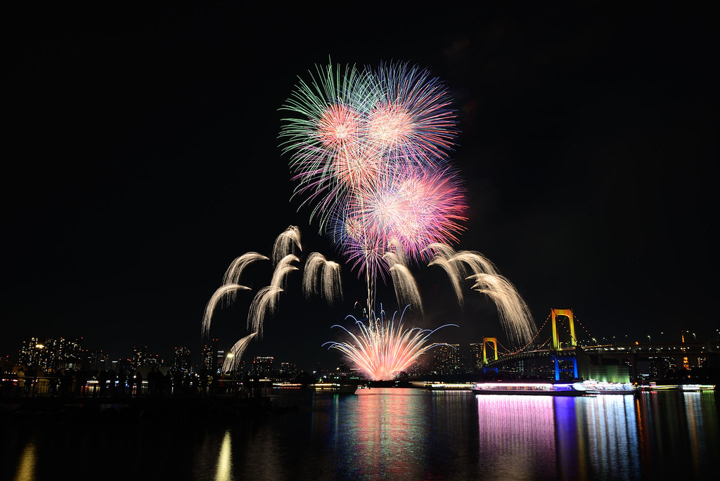 Tokyo Bay Fireworks お台場レインボー花火