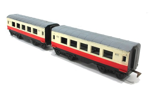 Palitoy S Gauge coaches