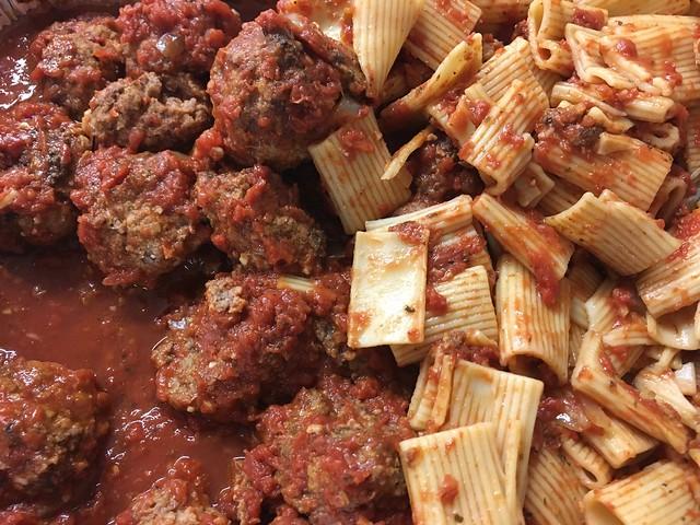 Everything Is FOOD! - Macaroni and Meatballs!