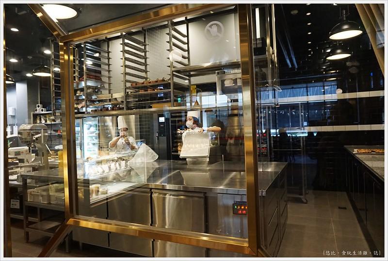 卡啡那CAFFAINA 大墩店-8-透明廚房