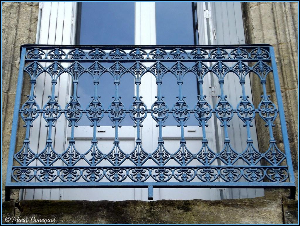 Le miroir d 39 eau gironde france tripcarta for Miroir western