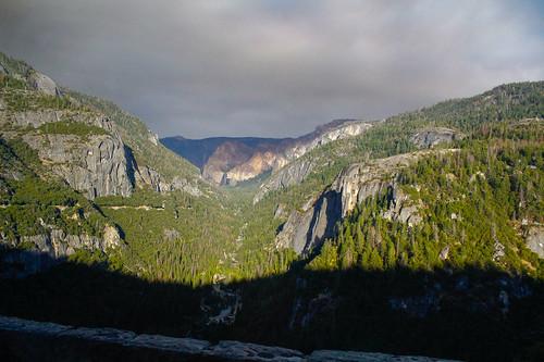 vista de Yosemite en la lejanía