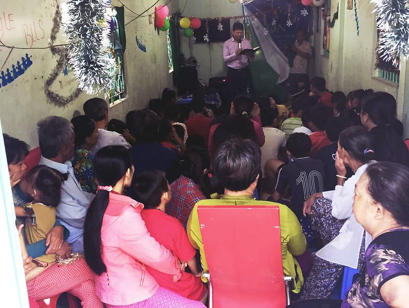 Hội Thánh Đồng Tháp tổ chức giáng sinh 2 buổi có khoảng 110 người tham dự có 12 người tin Chúa (3)