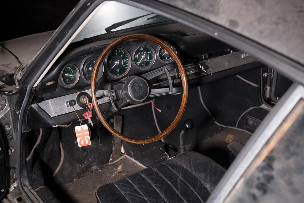 1965-porsche-912-barnfind-08