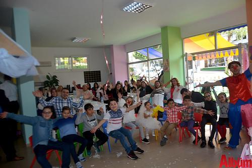 Partide çocuklar için eğlenceli şovlar düzenlendi.