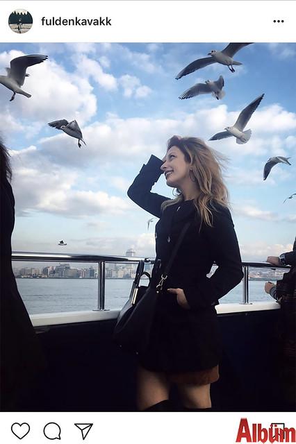Fulden Kavak, martılar eşliğinde İstanbul manzarasının tadını çıkardı.
