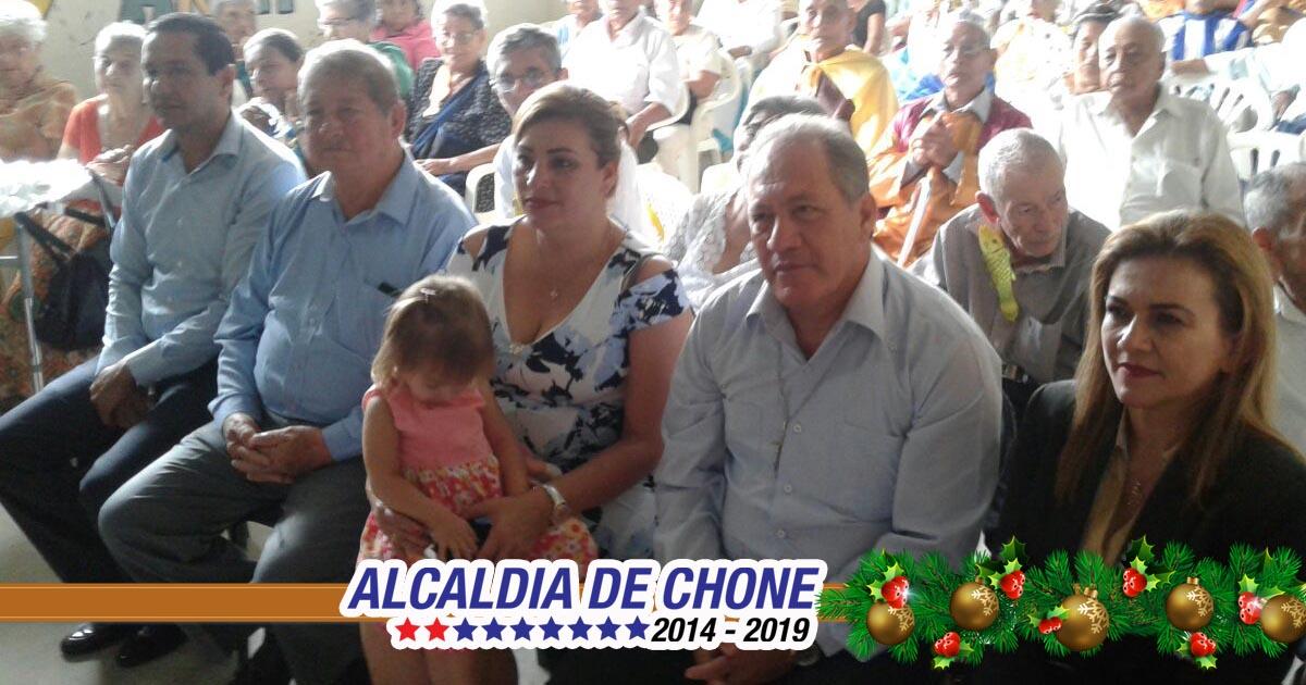 Alcaldía de Chone lleva alegría en homenaje para adultos mayores