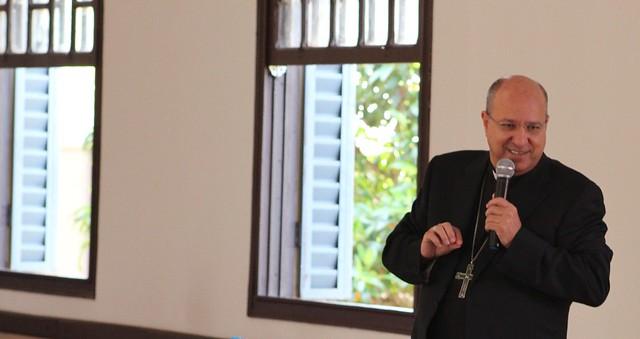 Dom Ilson Montanari profere palestra para os presbíteros da Diocese